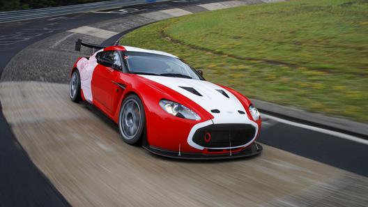 Совместное произведение Aston Martin и Zagato примет участие в большой гонке