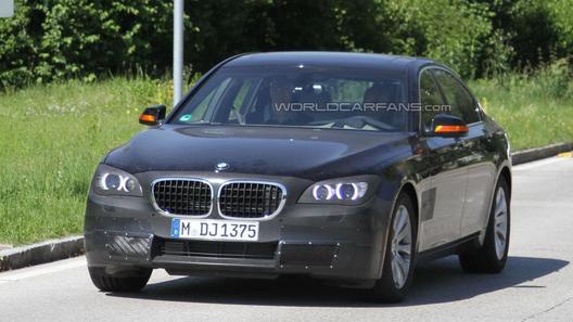 BMW 7 серии готовится к фейслифтингу