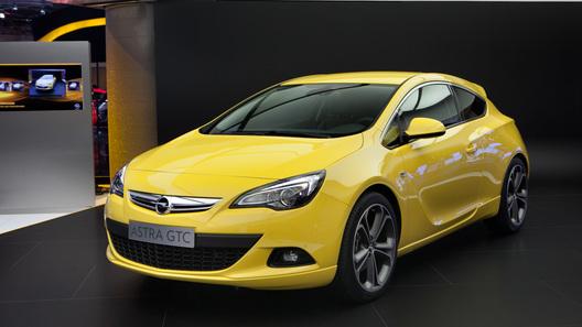 Opel показала во Франкфурте новую Astra GTC, Zafira и электроконцепт