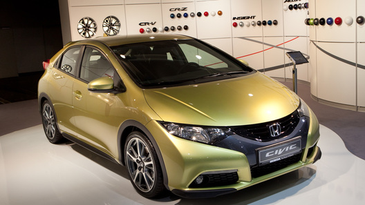 Honda назвала российские цены на новый Civic 5D