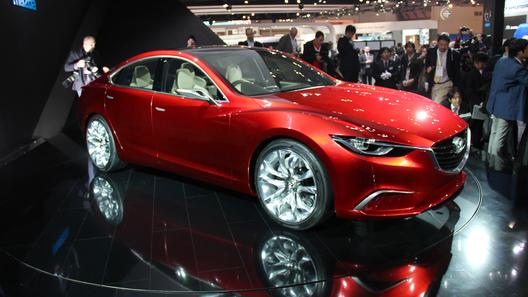 Прототип нового поколения Mazda6 показали в Токио