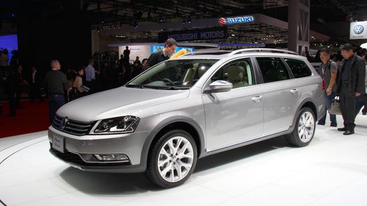Volkswagen показал в Токио конкурента Audi Allroad