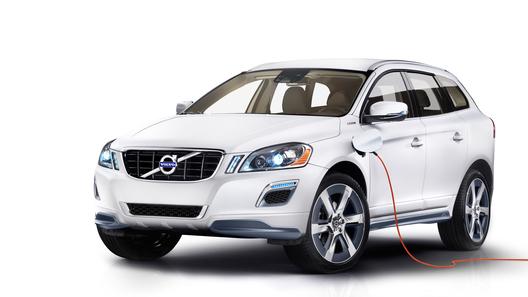 Гибридный Volvo XC60 появится на рынке США