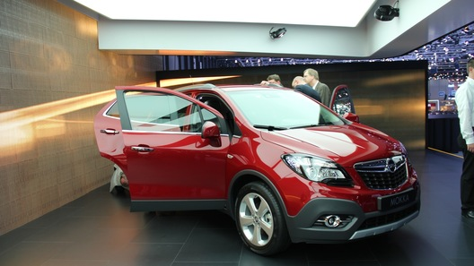 Opel начнет принимать российские заказы на кроссовер Mokka с 1 июня
