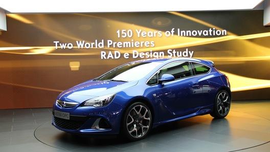 Opel готовит фейслифт Astra и объявляет цены на OPC