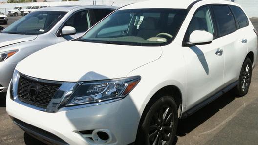 Предсерийный Nissan Pathfinder попался фотошпионам
