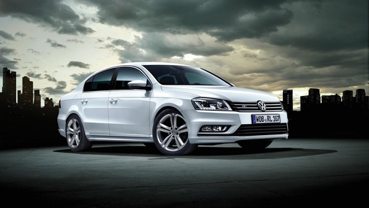 Анонсирован Volkswagen Passat R-Line