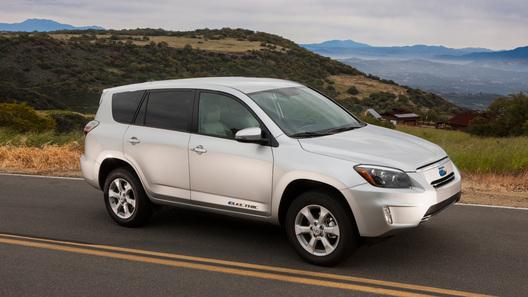 Продажи электрического Toyota RAV4 за 50 тысяч долларов начнутся летом