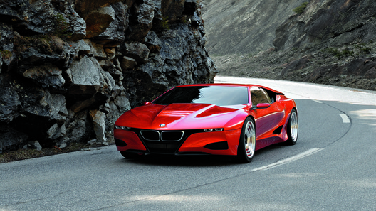 BMW может возродить легендарную модель M1 на основе гибрида i8