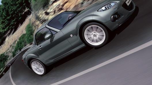 Обновленный родстер Mazda MX-5 приедет в Европу осенью
