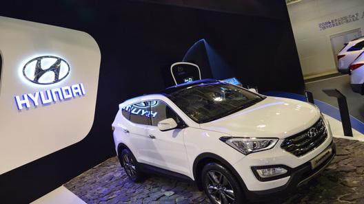 Hyundai назвал цены на обновленный Santa Fe