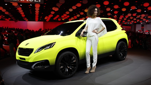 Серийный Peugeot 2008 появится в середине 2013 года