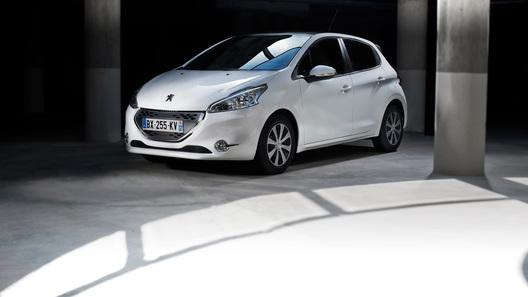 Peugeot 208 будет стоить в России от 499 000 рублей