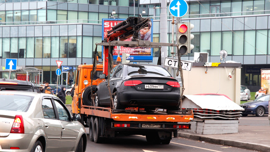 За езду без прав предлагают отбирать автомобили 735