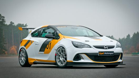 Почти гоночный Opel Astra OPC будет стоить в России 1,4 млн рублей