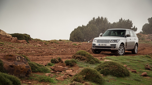 Новый Range Rover: на князе в африканские грязи