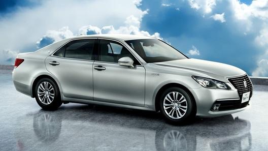 Toyota представила новое поколение Crown