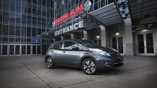 Обновленный Nissan Leaf покажут в Детройте