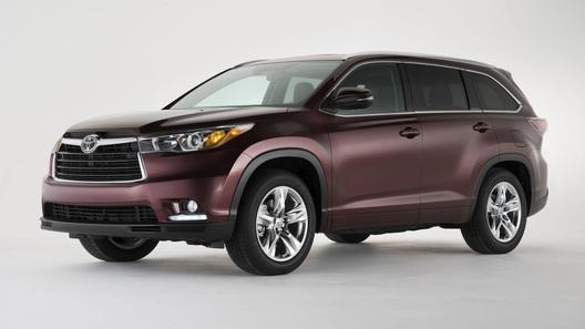 Цены на новый Toyota Highlander начнутся с 1 760 000 рублей