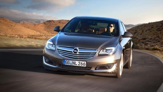 Oбновленный Opel Insignia: кнопок стало меньше, а моторов – больше