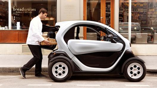 В Renault построили тихоходный электрофургон