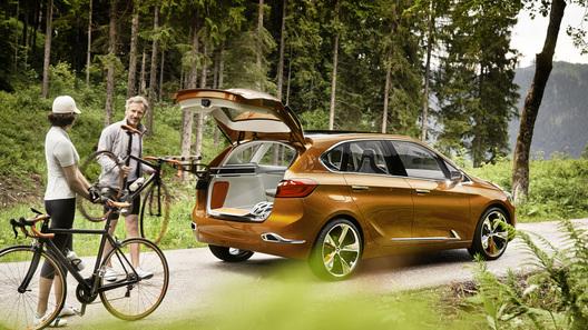 Новый BMW оказался лучшим другом велосипедистов