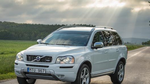 Обновленные Volvo появились у российских дилеров
