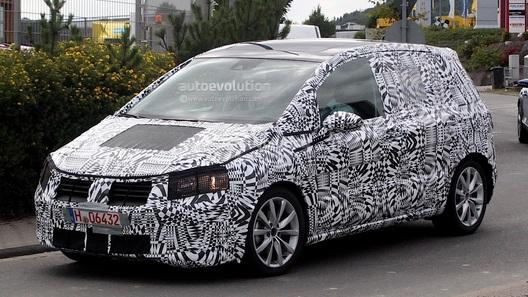 Фотошпионы поймали новый VW Golf Plus