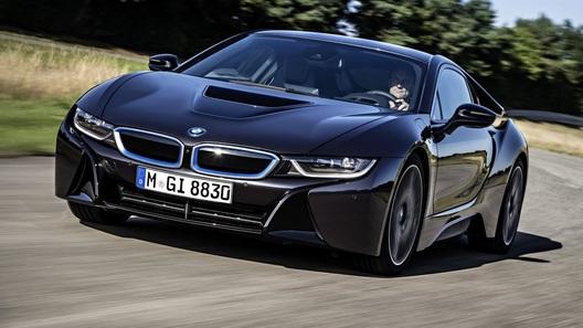 Экологичный спорткар BMW i8 стал еще экономичнее