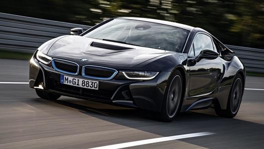 BMW с лазерными фарами можно будет купить уже осенью