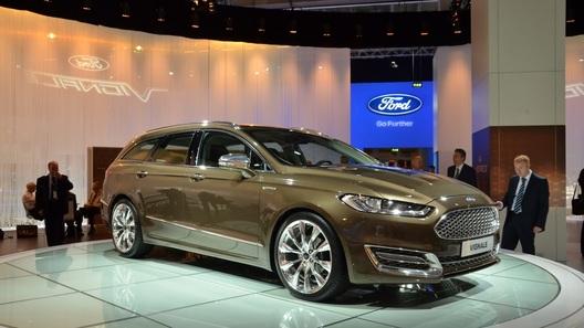 Ford показал концепты роскошного Mondeo и нового S-Max