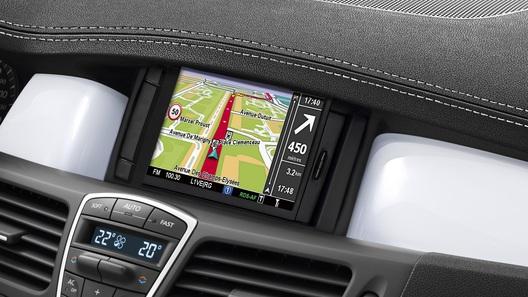 Автопроизводители заставят водителей смотреть рекламу в автомобилях