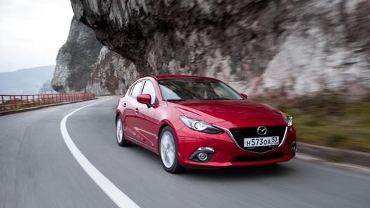 Mazda3: история о маленьком экране и больших амбициях