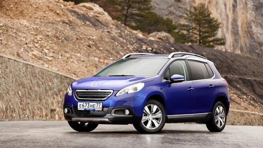 Двуличная натура: Peugeot 2008 - кроссовер или только прикидывается?