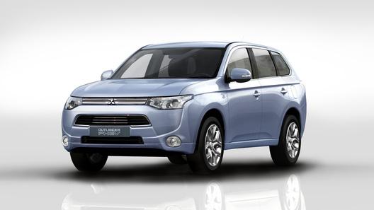 Электрический Mitsubishi Outlander приедет в Россию осенью
