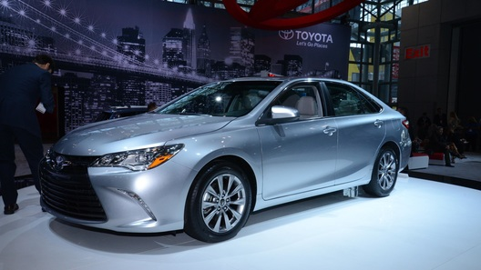 Toyota Camry получила обновления