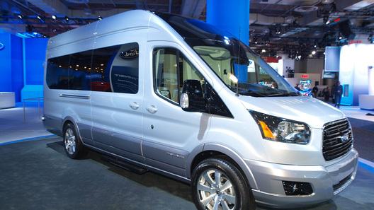 Ford Transit попытается поспорить с Mercedes-Benz V-класса