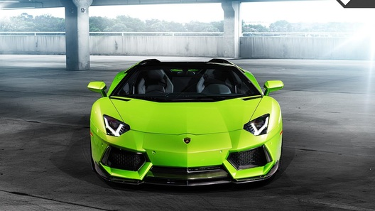 Lamborghini выпустит новый суперкар уже в январе