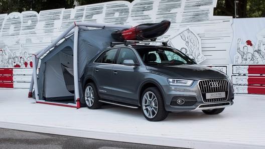 Кроссовер Audi Q3 превратился в палатку