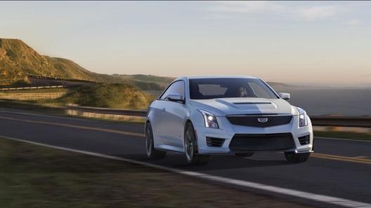 Два очень мощных Cadillac дебютировали в Лос-Анджелесе