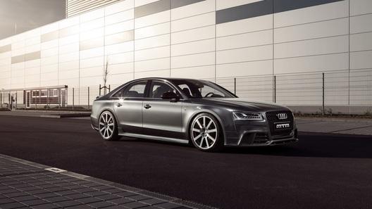 Тюнеры разогнали флагманский седан Audi до 350 км/ч