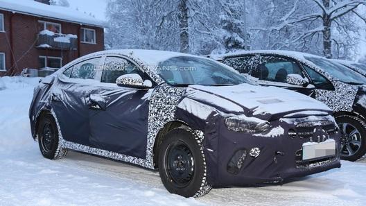 Hyundai вывела на тесты новую Elantra
