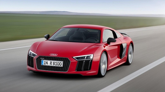 Суперкар Audi стал мощнее на одну