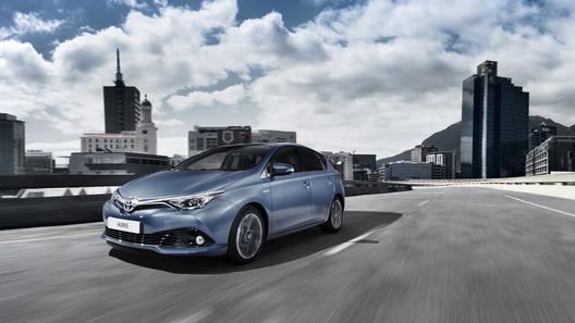 Toyota обновила семейство Auris