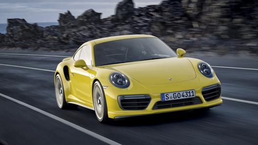В московском каршеринге появятся автомобили Porsche