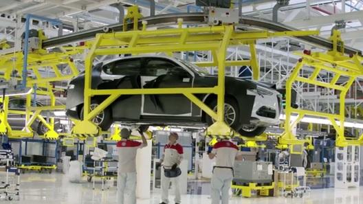 Первый кроссовер Alfa Romeo засекли на конвейере