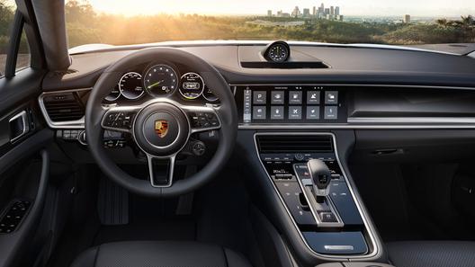 Посчитали-прослезились: самые шокирующие автомобильные опции 2016 года