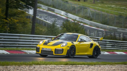 Porsche 911 установил новый рекорд Нюрбургринга 1