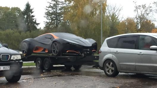 Украинский суперкар заметили на парковке в Латвии