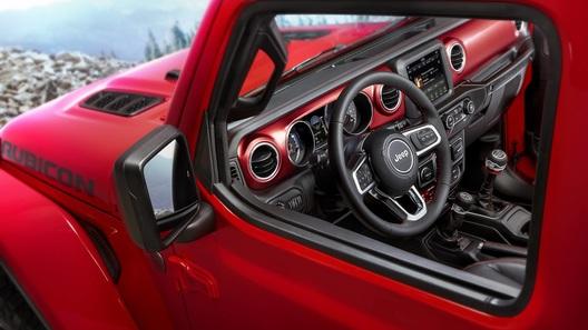 Jeep обнародовал фото интерьера нового Wrangler